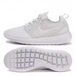 Original New Arrival 2017 NIKE Breathable ROSHE TWO Women's Skateboarding Shoes Sneakers